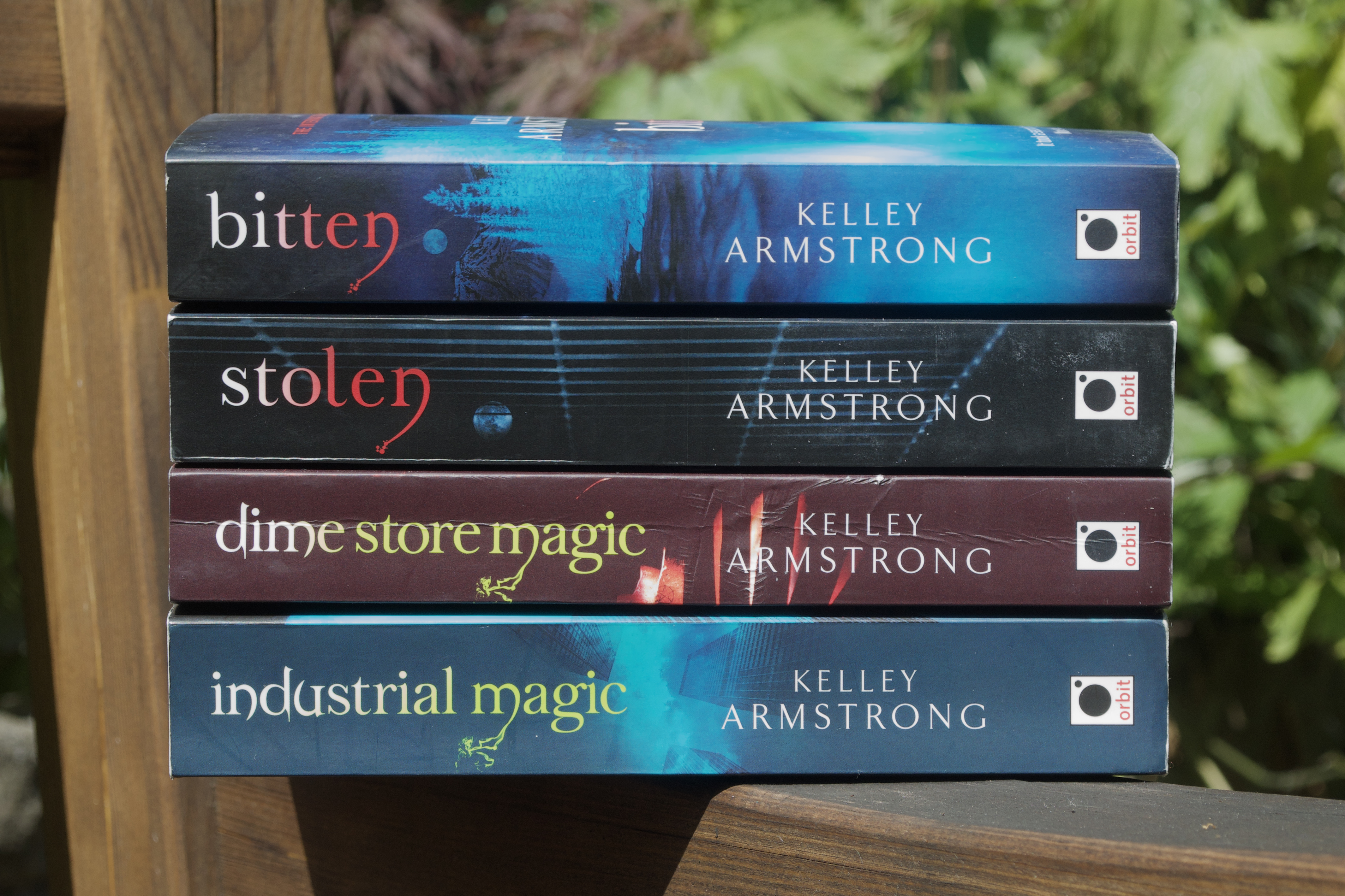 Kelley Armstrong Women of the Otherworld books